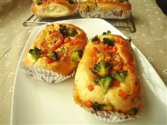 鲜虾蔬菜沙拉面包