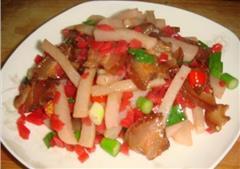 腊肉炒泡菜蘑芋