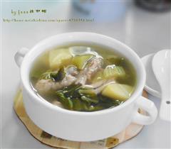 芥菜土豆排骨汤