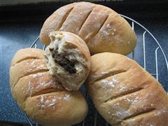 黑芝麻馅全麦面包
