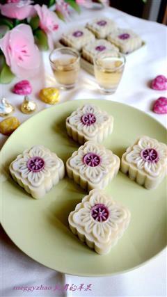 紫薯玫瑰冰皮月饼