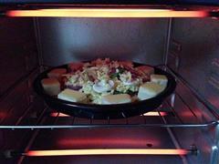 芝心培根蘑菇披萨