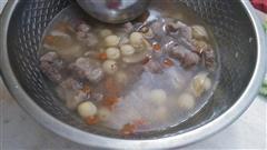 百合莲子排骨汤