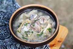 白菜干炖排骨汤