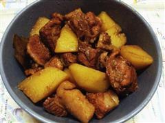 普洱茶土豆红烧肉