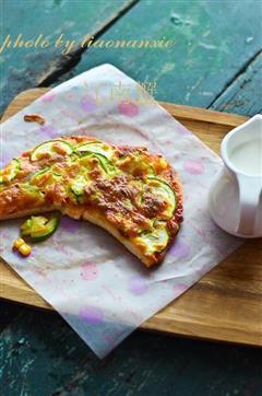 甜肠嫩瓜披萨