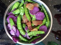紫淮山荷兰豆炒腊肉