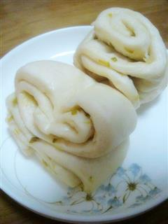奶香葱油花卷