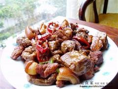 家庭版豆泡红烧肉