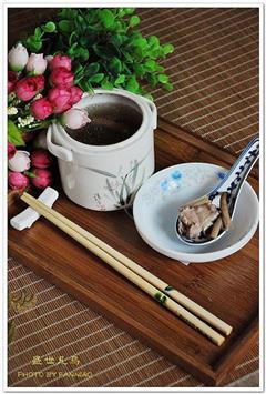 薏米茶树菇排骨汤