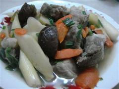 茭白红萝卜炖排骨
