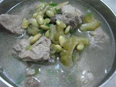 毛豆苦瓜排骨汤
