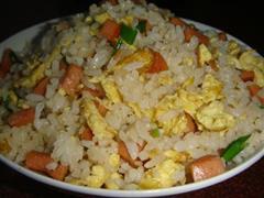火腿肠鸡蛋炒饭