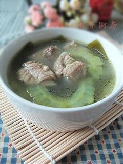 苦瓜海带排骨汤