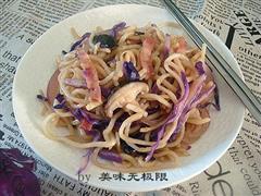 紫甘蓝炒面