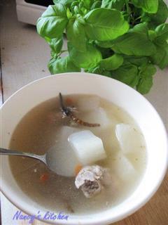 虫草萝卜排骨汤