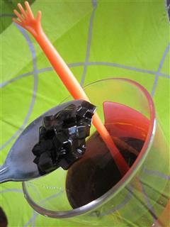 龟苓膏红茶蜂蜜饮