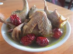 清炖红枣鸽子汤