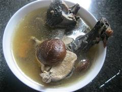 香茹乌鸡汤