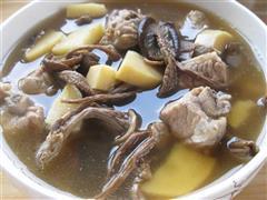 茶树菇冬笋排骨汤