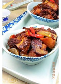 杂蔬腊肉排骨煲