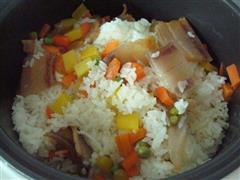腊肉胡萝卜焖饭