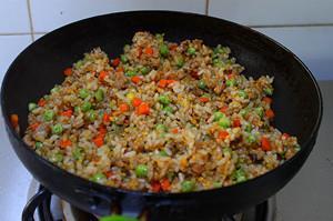 芽菜酱油炒饭