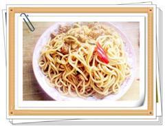 肉圆口蘑炒面条