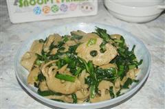 韭菜炒面筋