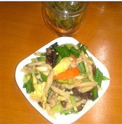 五彩杂蔬炒面鱼