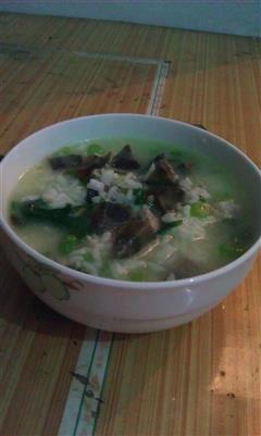 青菜皮蛋瘦肉粥