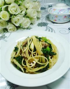 里脊肉青菜茭白炒面