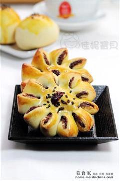 杂粮菊花烤馒头