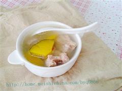 南瓜百合排骨汤