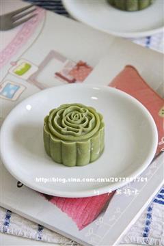 抹茶红豆沙冰皮月饼