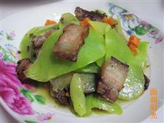 莴笋回锅肉