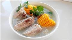 清炖玉米排骨汤