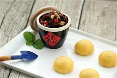 香炒大头菜玉米馒头