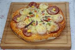 火腿鱿鱼披萨