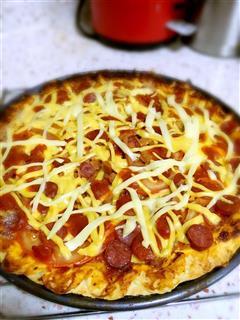 芝士香肠披萨
