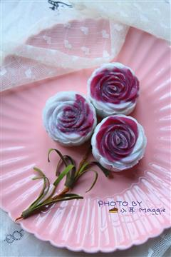 玫瑰花冰皮月饼