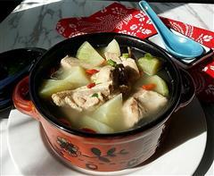 青萝卜排骨汤