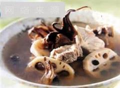 消暑健胃山楂莲叶排骨汤