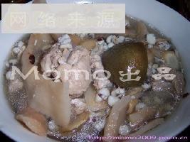 西洋参芡实排骨汤