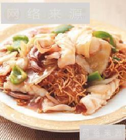 酸菜鲜鱿炒面