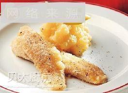 煎鱼柳配柠檬土豆泥