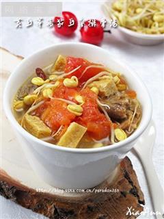 疏解牙龈肿痛提高免疫力-黄豆芽番茄豆腐排骨汤