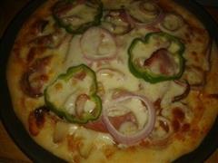 蒜香鱿鱼至尊披萨