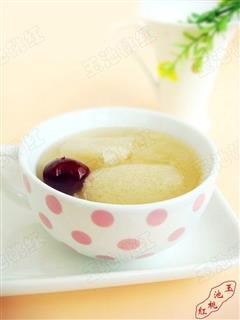 竹荪红枣银耳汤