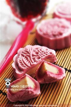 玫瑰红酒莲蓉冰皮月饼